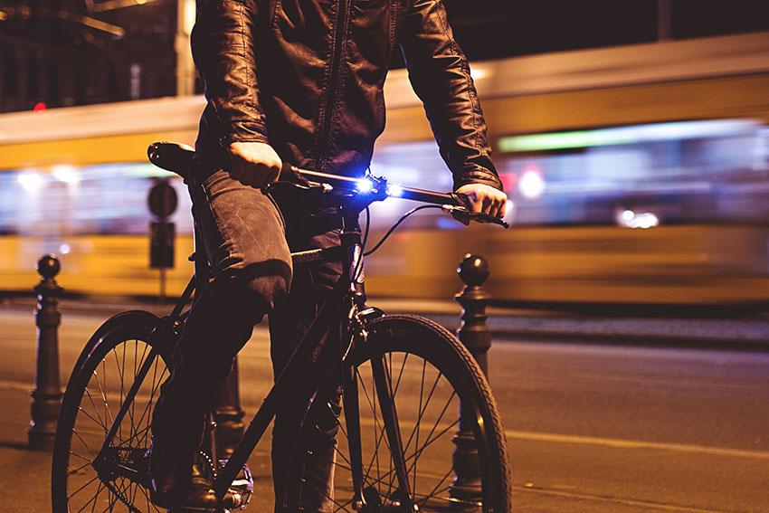 Hikari Bike LED Frontlicht seitlich