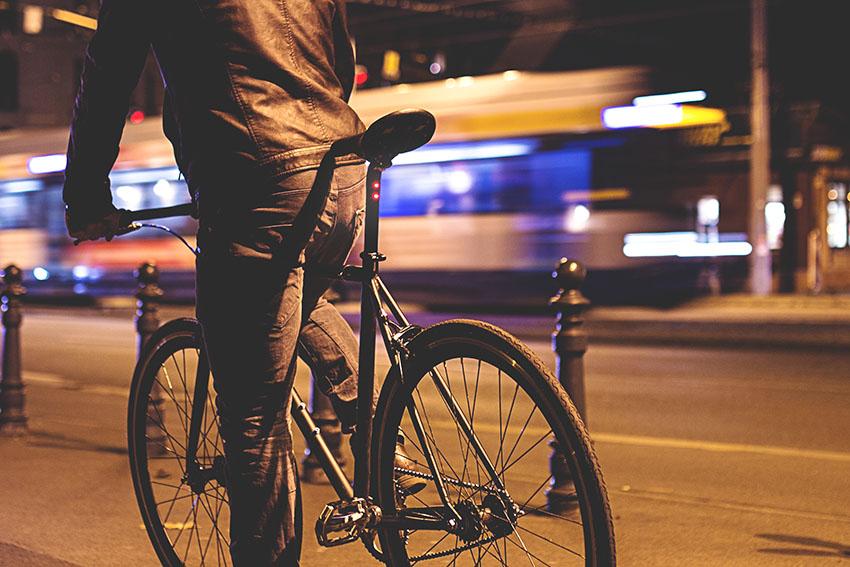 Hikari Bike integriertes LED Rücklicht seitlich